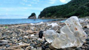 使い捨てコンタクトがマイクロプラスチックになって海洋汚染